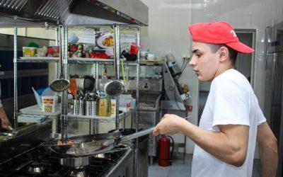 I Danmark er som mange steder hvor man kan finde billige køkkenmaskiner – Se hvor her!